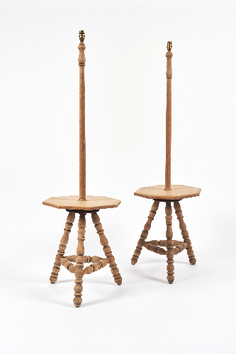 A pair of stripped oak lamp tables - ref 459